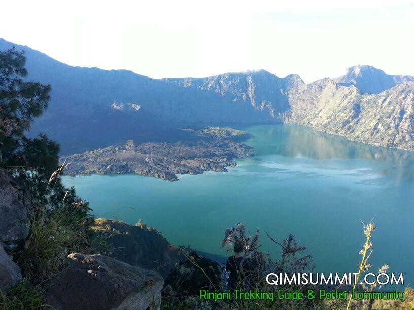 Trek to Rinjani Mountain with Miss Eza from Malaysia 8